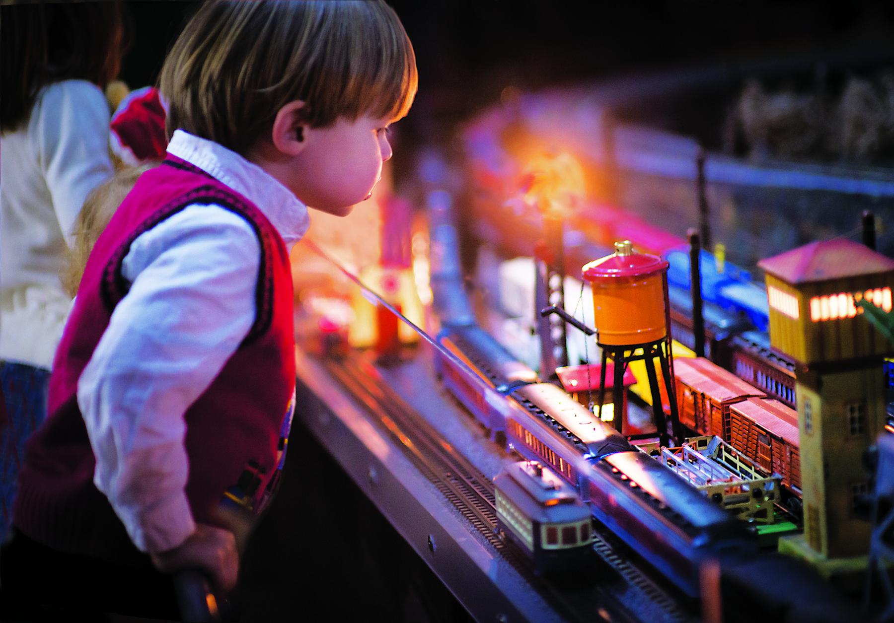 Brandywine Christmas model train display. Photo credit: Carlos Alejandro