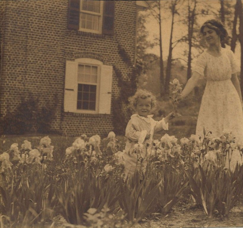 "Mrs. N. C. Wyeth and her son Nathaniel from early 1914, outside of the ""new house"""