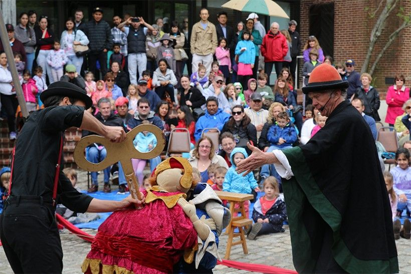 PNC Arts Alive First Sundays for Families event with Funicular Circus