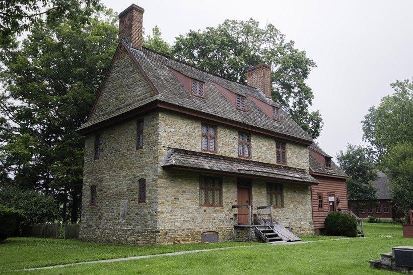 BEFORE photo of the Brinton 1704 House. Photo Credit: John Milner Architects, Inc.